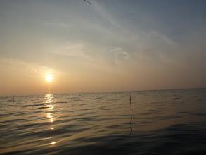 Photo: 夕日が沈む。 「ウキも沈めっ!」