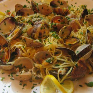 Linguini and Clams In A White Wine Garlic Sauce.