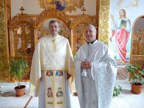 Photo: Rou2C21-151004Targa Mures, Pères Farcas & Patrick, célébrants P1040057