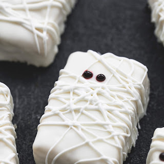 Rice Krispie Treat Mummies