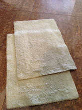 Photo: $2 for set, bathroom mats, clean and soft. Keep your feet warm! Sea foam green