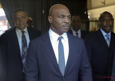 Tyson en Roy Jones Junior verwennen fans in demonstratieduel en tonen dat de oude garde zeker niet versleten is