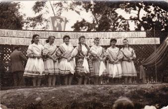 Photo: Rózsadomb. Bokor Magdi, Fél Ilonka, Magyarics Magda, Klórné Világi Éva, Bödők Zsuzsa, Ádám Edit Fábikné, Varga Magdika Táborné.