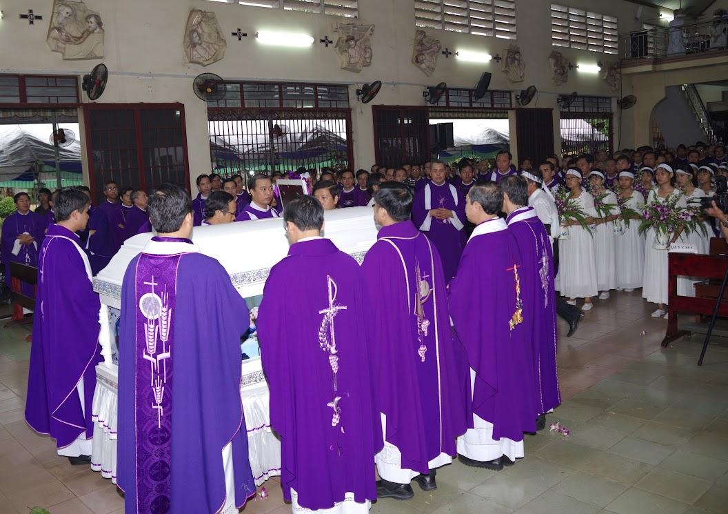 Thánh lễ an táng Cha Giuse Trần Ngọc Tâm - Chánh xứ Xuân Đức - Ảnh minh hoạ 32