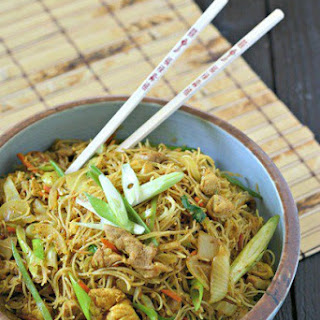 Singapore Rice Noodles with Chicken.