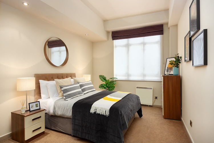 Lawrence House Serviced Apartment
