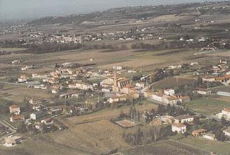 Photo: Orgueil (82) - vue générale du village prise par avion en 1992
