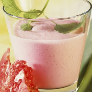 Pear and Pomegranate Smoothie