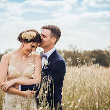 Wedding photographer Emma Johnson (EmmaJohnson). Photo of 10.02.2019