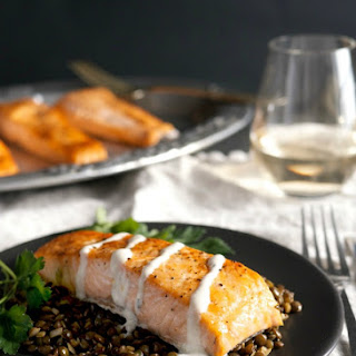 Weeknight Broiled Salmon with Lentils