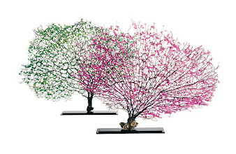 Photo: TEAROSE FOR CRANATOMIE Exclusively ours. Handmade crystallized sea fans, 12″–20″ wide, mounted on black nickel base. $2,595. Available in rose, blue, yellow or green. Italy. Seventh Floor. 212 872 2686