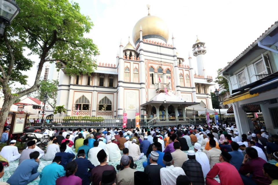 Practice sunnah of Raya by performing Eidulfitri Prayer