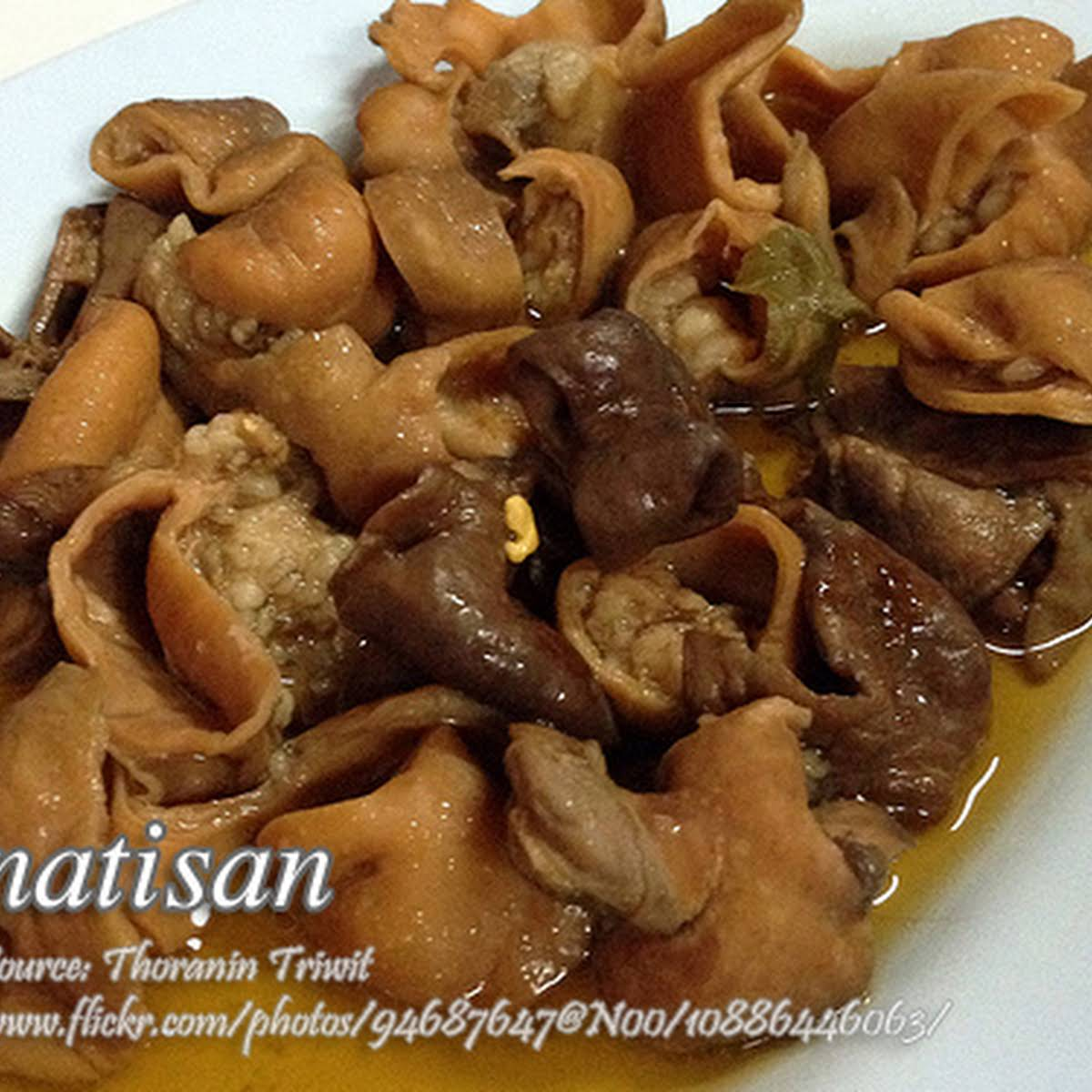 How to Cook Pinatisan (Pork Sauteed in Patis)