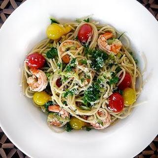 Shrimp Scampi with Zucchini and Tomato Pasta