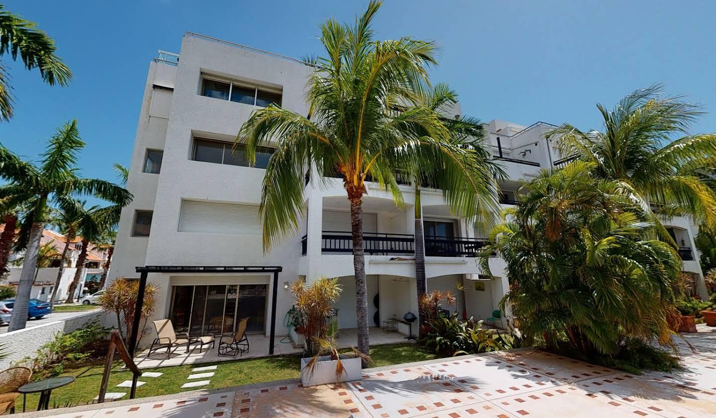 Appartement contemporain avec terrasse et piscine Simpson Bay