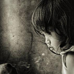 children and smoke by Kenny Sutan Sati - Babies & Children Child Portraits ( © kenny sutan sati children )