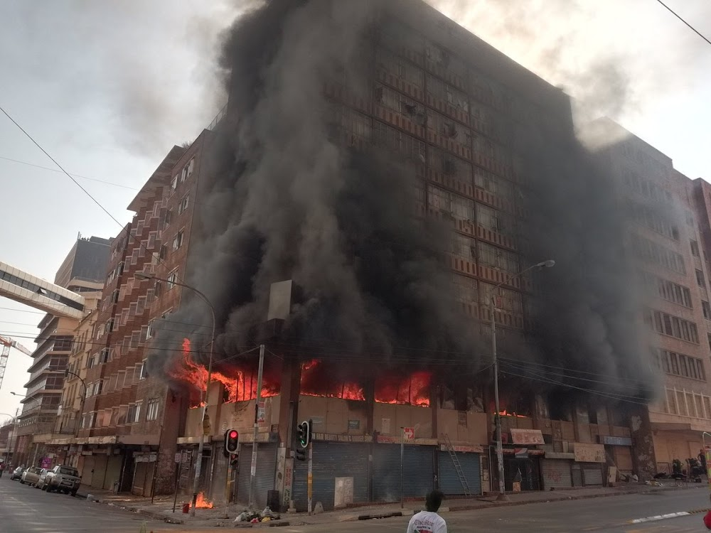 Flats On Fire In Joburg Cbd With Reports Of People