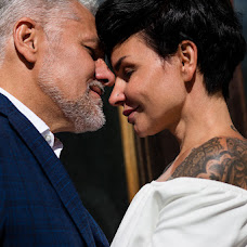 Wedding photographer Artem Vazhinskiy (Times). Photo of 16.10.2018