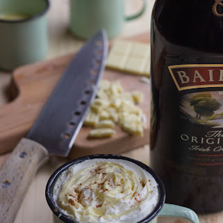 Baileys White Hot Chocolate Recipe for St. Patrick´s Day
