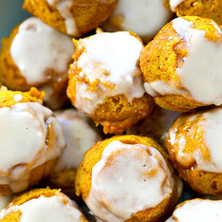 Healthy Glazed Pumpkin Spice Donut Holes