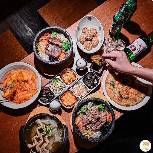 . 📍四米大石鍋拌飯 位於中山捷運站附近的四米大,附近可以說是餐廳雲集,好吃的店太多太多了,韓式算是比較少見的,價格也很合理,是和朋友可以來聚餐的好地方,多人還可以分享套餐更划算~ / ☡ 三人套餐