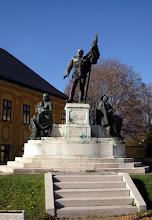 Photo: II. Világháborús emlékmű, Benedek György alkotása