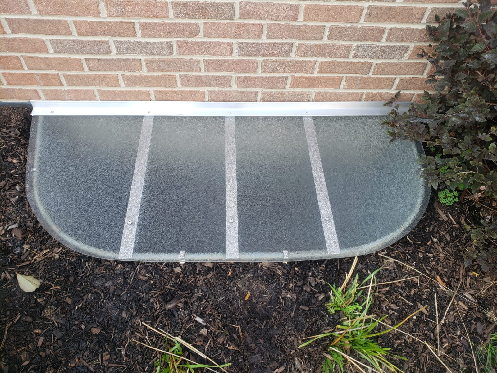 Villa Park, IL-HandyManny Custom Window Well Covers