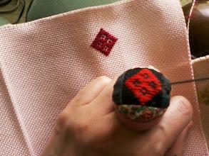 Photo: ピンクのコングレスに花コ。 スワロウテイル製ハリヤスメと同じ図案。