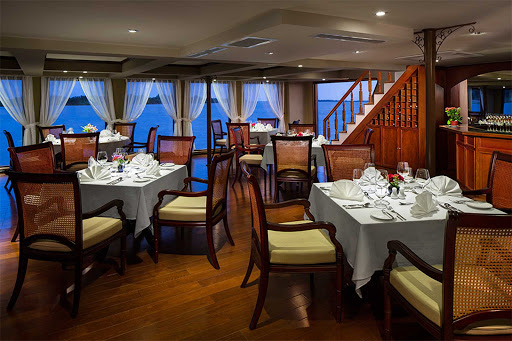 amadara-dining.jpg - Enjoy regional specialties and take in the sights while dining on AmaDara.