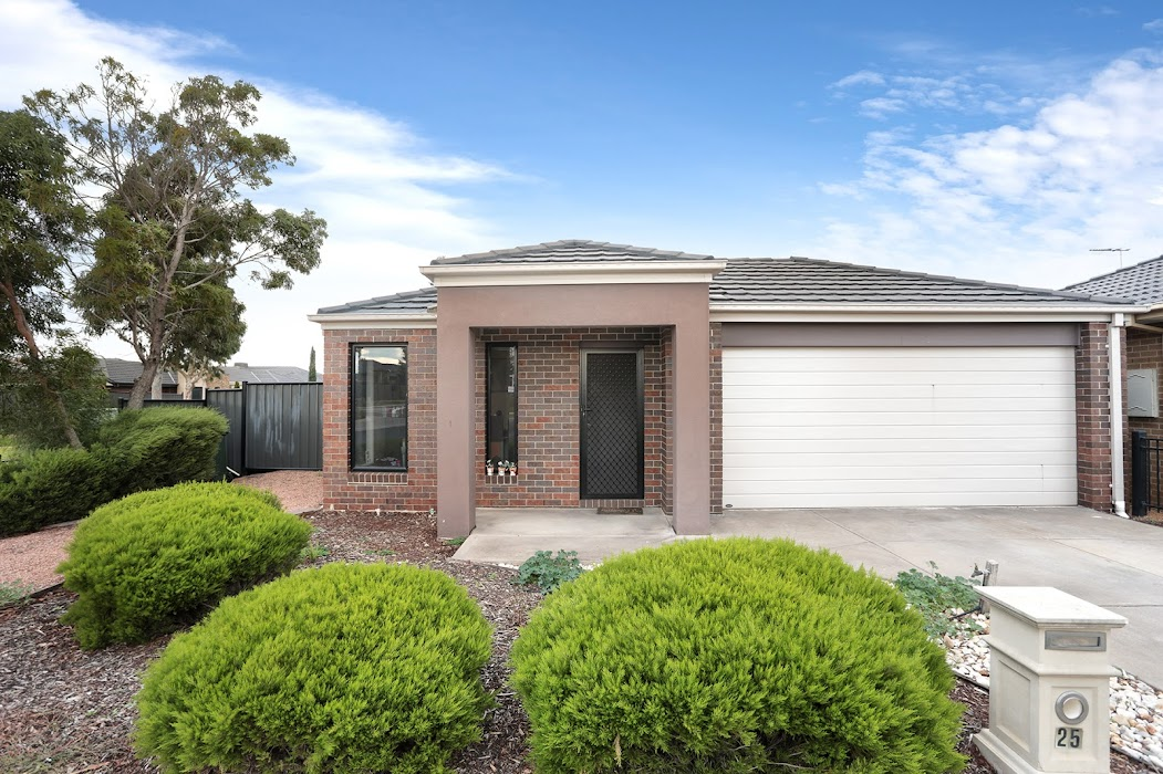 Main photo of property at 25 Wickford Road, Tarneit 3029