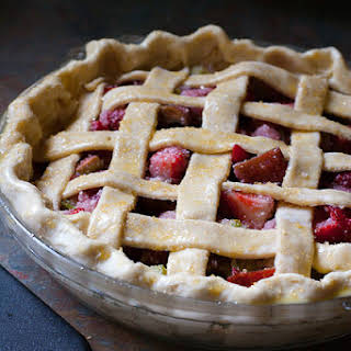 How To Make A Lattice Pie Crust (Step by Step Tutorial).