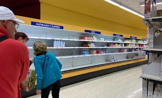 Supermercados arrasados en Berja