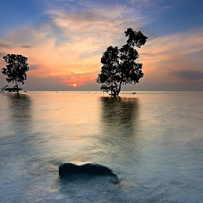 This Way to Sta. Cruz by Hector Quiambao - Landscapes Waterscapes