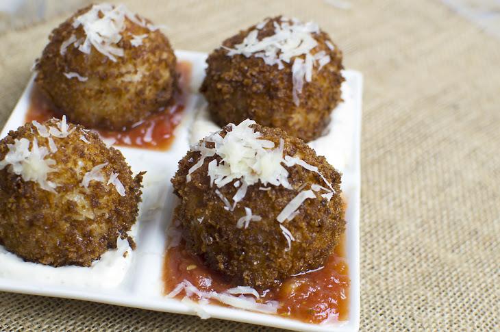 Fried, Mozzarella-Stuffed Risotto Balls Recipe | Yummly