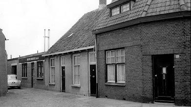 Photo: 1960 Heilaarstraathuis 68-70 'Kerk(zij)straatje 'naast meubelfabriek !