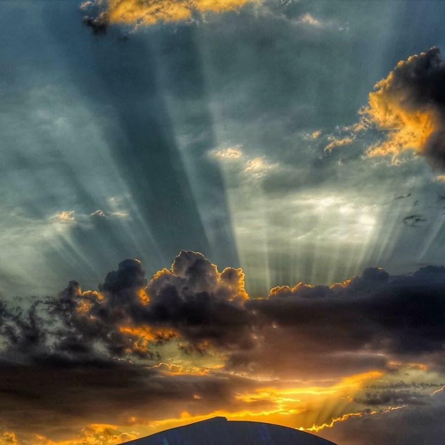 Sun rays by Howard Sr. - Uncategorized All Uncategorized