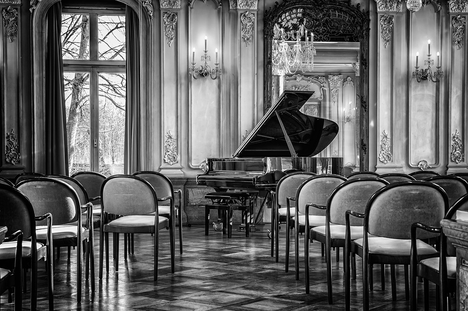 Best Pianos For Being A Professional Entertainer