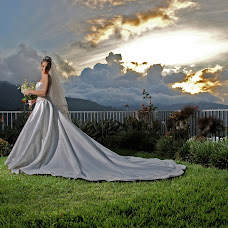 Wedding photographer Omar Ponceleon (ponceleon). Photo of 18.09.2014