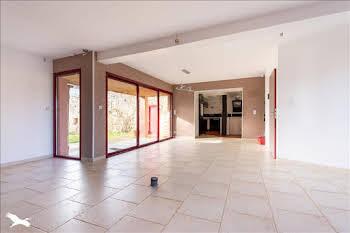 Maison 10 pièces 178 m2