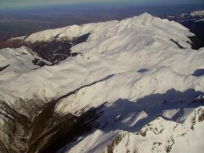 Photo: Haute vallée d'Isaby. Pic de Montaigu en haut à droite.