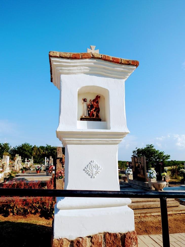 Buzsák - kálvária a temetőben