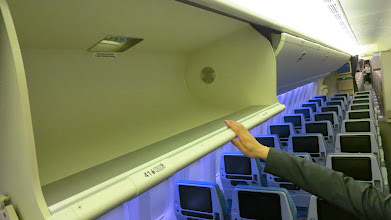Photo: Gigantic overhead bins on Singapore Air's new B777-300ER