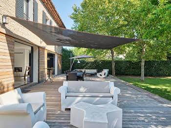 Villa 10 pièces 270 m2