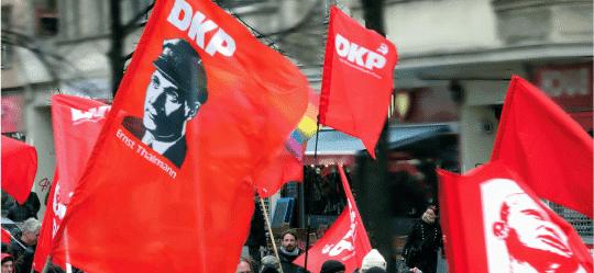 DKP- und Thälmannfahnen.