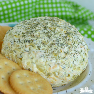 Dill Pickle Cheeseball (Easy Appetizer).