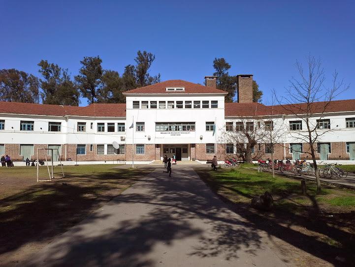 En el Tapié, maestros y alumnos aseguraron que más de 200 chicos no acceden a las viandas porque no alcanzan