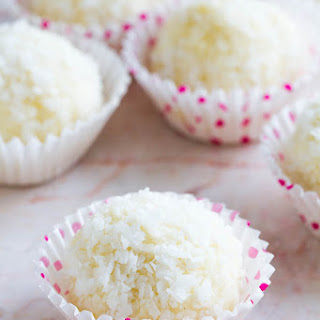 Coconut Almond Balls
