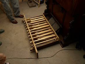 Photo: Pedálová část s dřevěnými pery