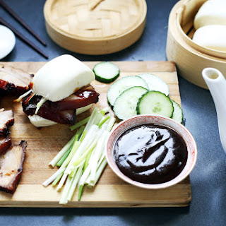 Momofuku Style Pork Buns