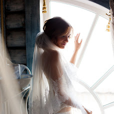 Wedding photographer Marina Reznikova (Reznikova). Photo of 23.04.2015